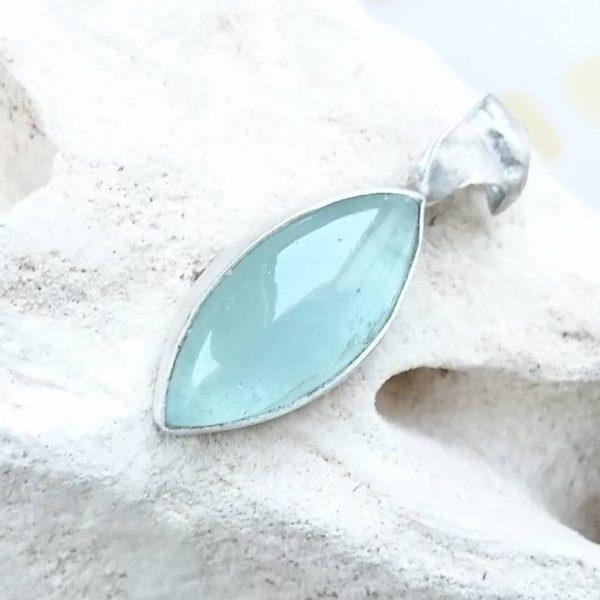 wisior z akwamarynem naturalnym w srebrze