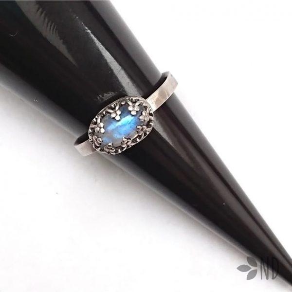 kamień księżycowy pierścionek biżuteria artystyczna