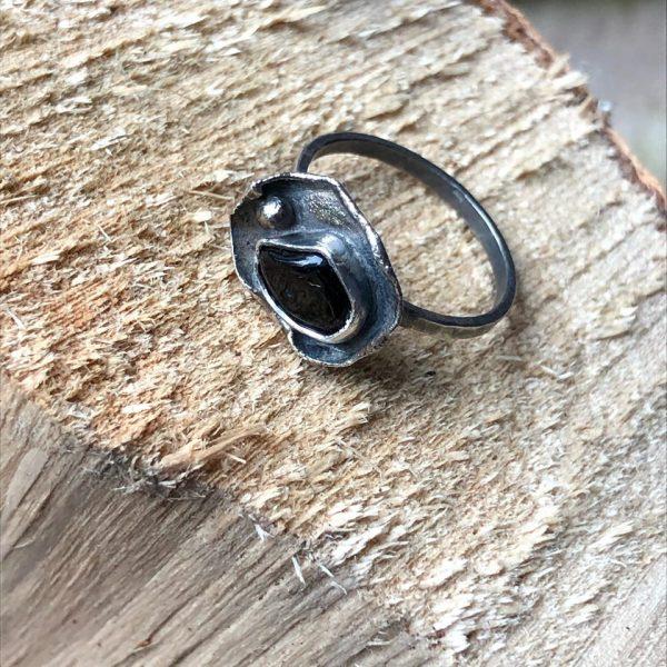pierścionek z turmalinem