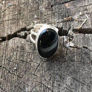 Pierścionek z czarnym turmalinem