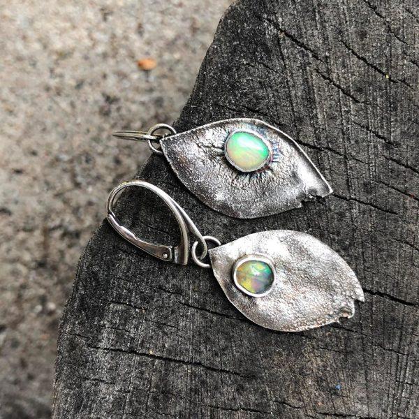 Opal etiopski kolczyki