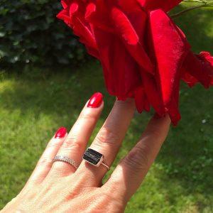 czarny turmalin pierścionek 17
