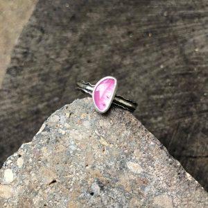 Różowy turmalin pierścionek