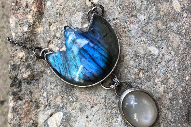 Biżuteria artystyczna niebieskie kamienie