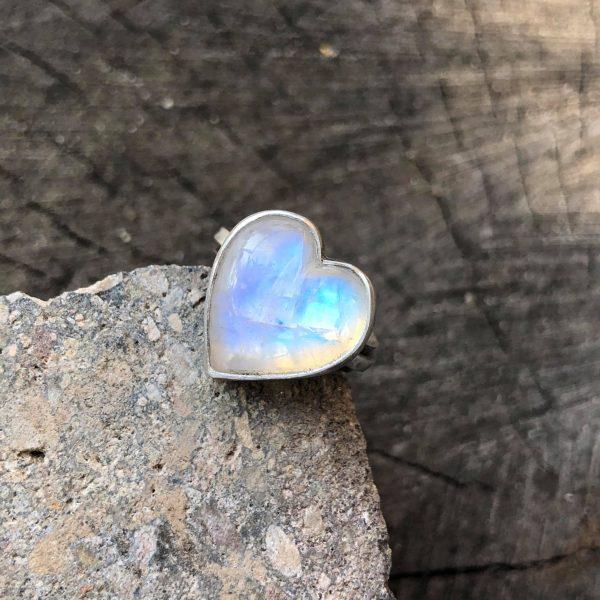 Pierścionek serce kamień księżycowy