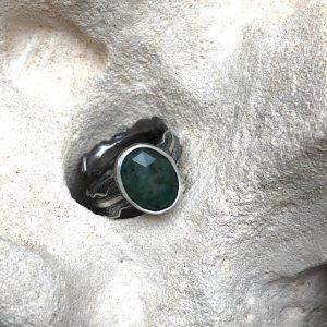 Szmaragd pierścień