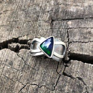 Opal czarny pierścionek