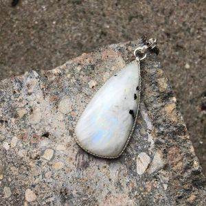 Kamień księżycowy zawieszka