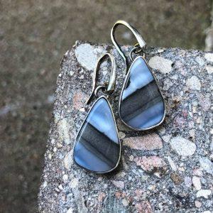 Opal niebieski kolczyki