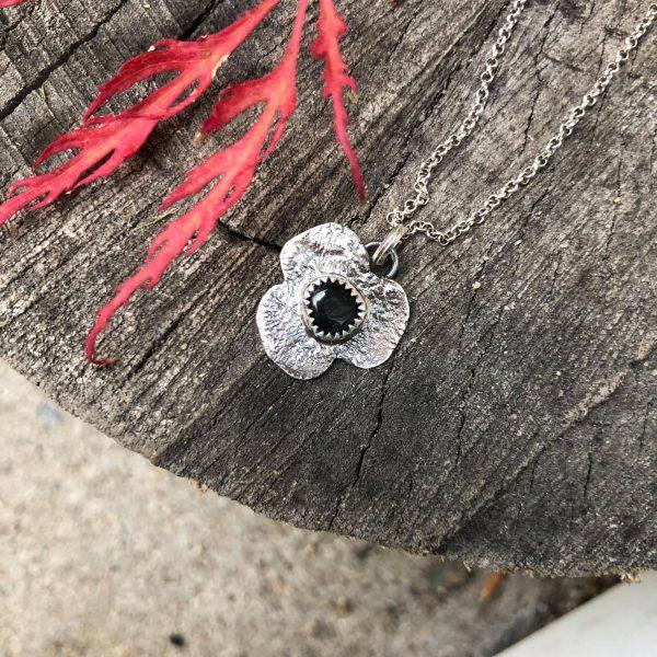 Czarny turmalin kwiatek
